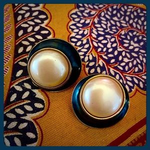 ✨VTG Rare YSL Round Pearl & Teal Enamel Earrings✨